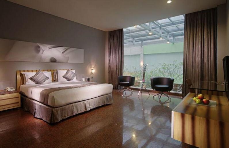 Fm Resort Hotel Jakarta Restaurant