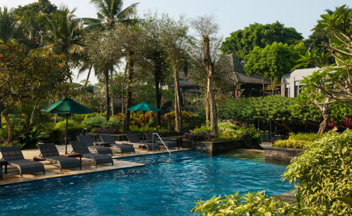 9 unforgettable luxury hotels in yogya for the ultimate holiday for Jogja plaza hotel swimming pool