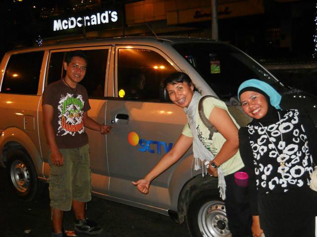 Hitchhiker Indonesia in town sarinah kota tua