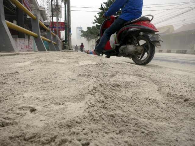 mount kelud volcanic ash