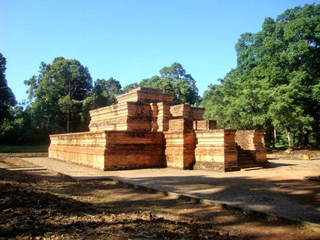 Tinggi 1 temple - Muara Jambi