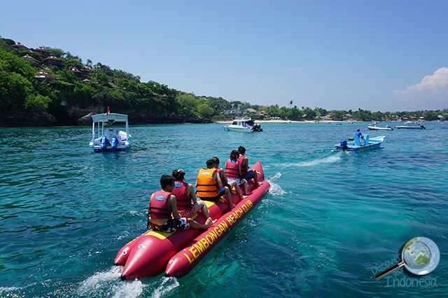 Banana Boat Lembongan beach club