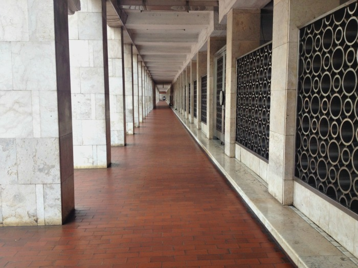 inside the grand mosque jakarta