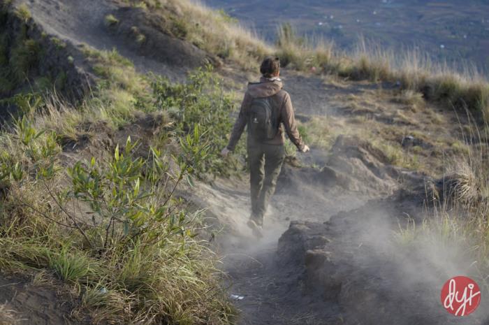 trekking mount batur indonesia