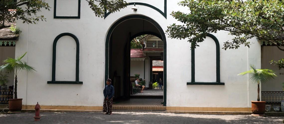 Yogyakarta Car Rental, Car Rental Jogja, Car Rental
