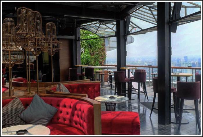 cloud-lounge-and-bar-jakarta