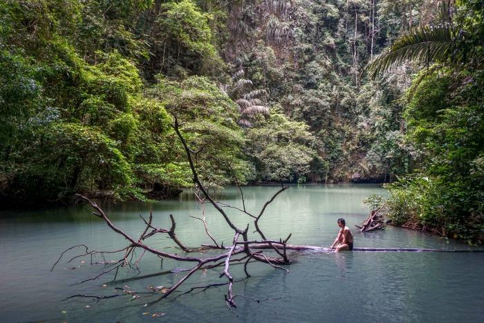 toakala-lake-in-bantimurung