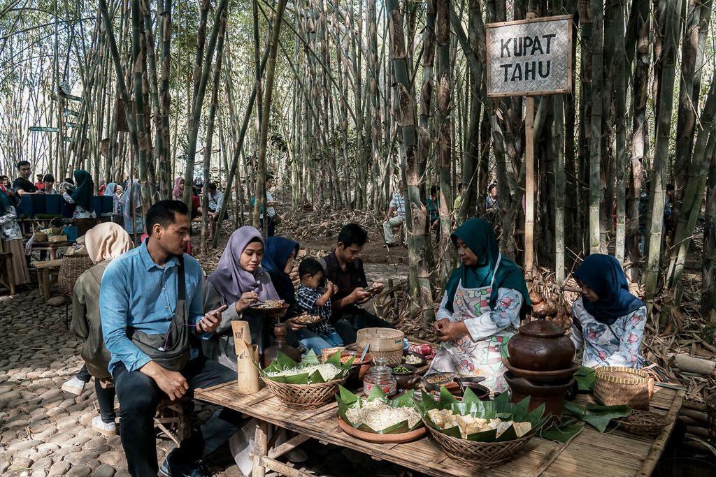 what to eat at pasar papringan